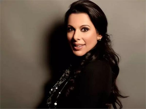 pooja bedi called government vaccination program illogical  sinister