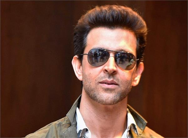 hrithik roshan donated 20 lakh rupees to cintaa