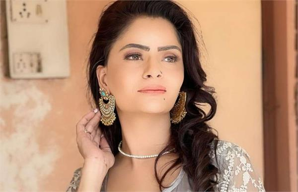 gehana vasisth will not appear for questioning in raj kundra case