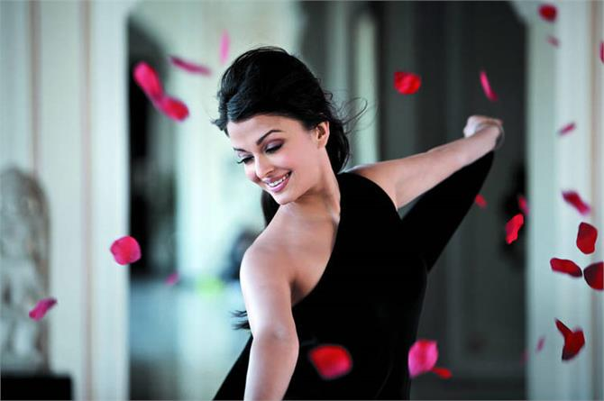 aishwarya will perform in indian super league