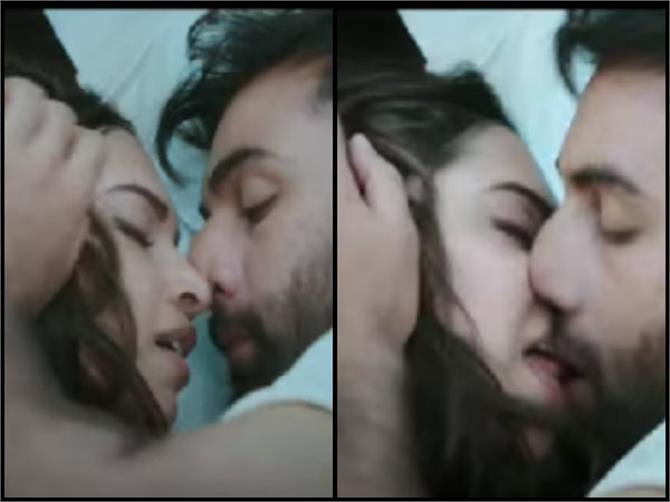 ranbir kapoor  deepika padukone's kiss longer than the one in raja hindustani