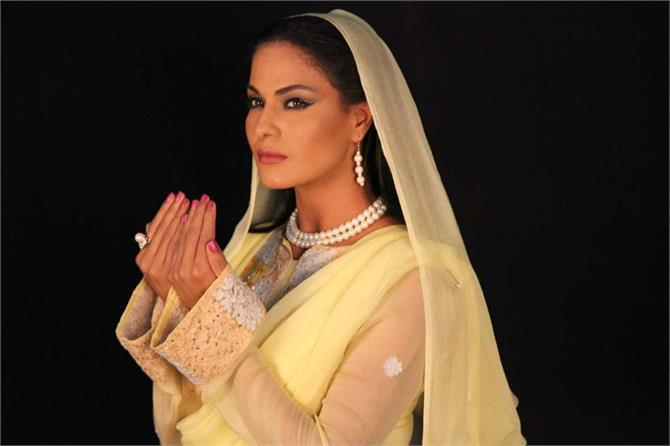 veena malik wants to study islam