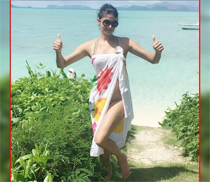 pooja batra bikini philippines holiday photos