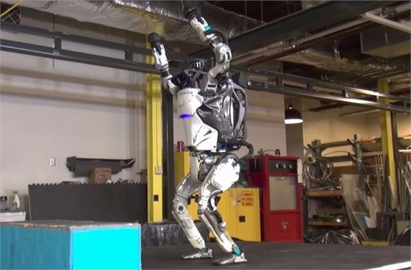 boston dynamics developed its first flexible robot see video