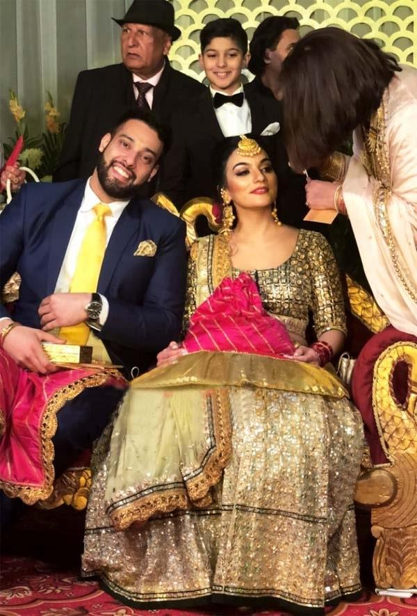 sangram singh dancing with his fiance gurkiran kaur in his cocktail party