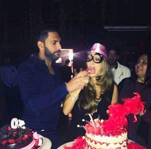 yuvraj singh celebrate hazel keech 30th birthday bash