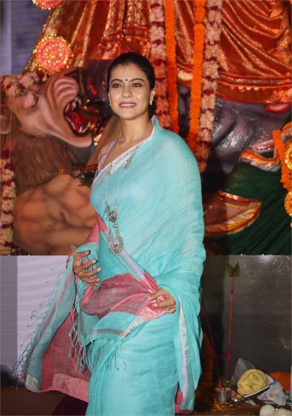 kajol prayers to goddess durga