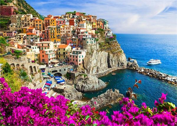 colorful city to spend a peaceful holidays