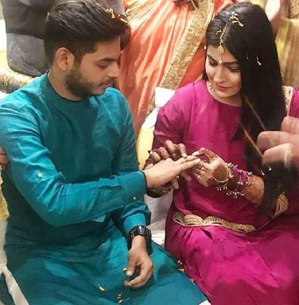 comedian siddharth sagar engaged with girlfriend