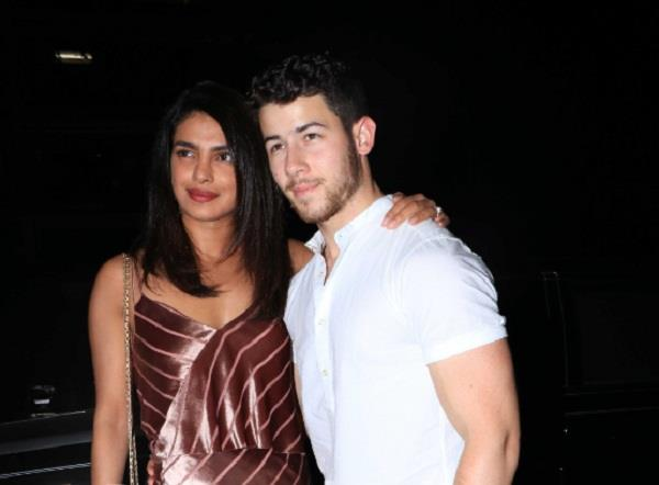 mumbai police take action against priyanka chopra