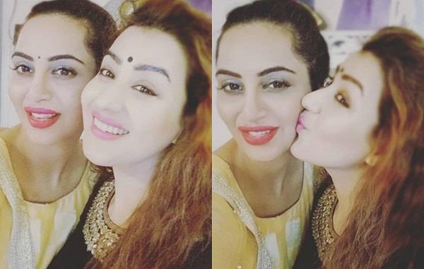 shilpa shinde and arshi khan celebrate diwali