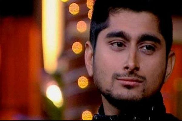 deepak left for the title of big boss 12