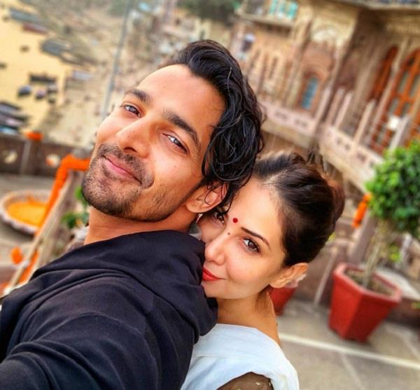 kim sharma shared a romantic picture on instagram with harshvardhan rane