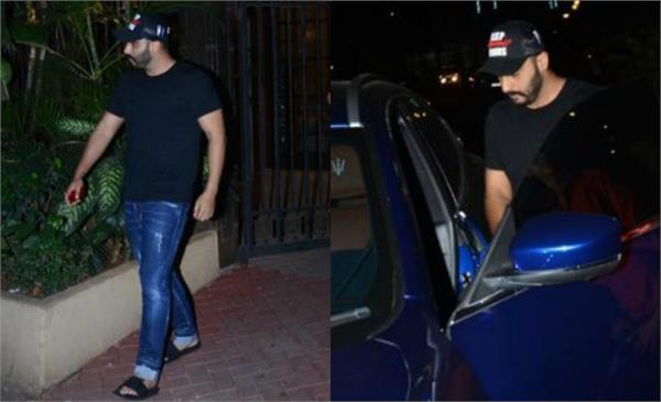 arjun kapoor spotted outside the malaika arora house