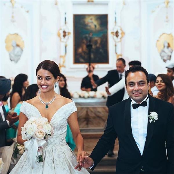 shocking surveen chawla married secretly with boyfriend