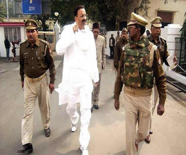 mukhtar ansari gets discharged from sgpgi goes to banda jail in tight security