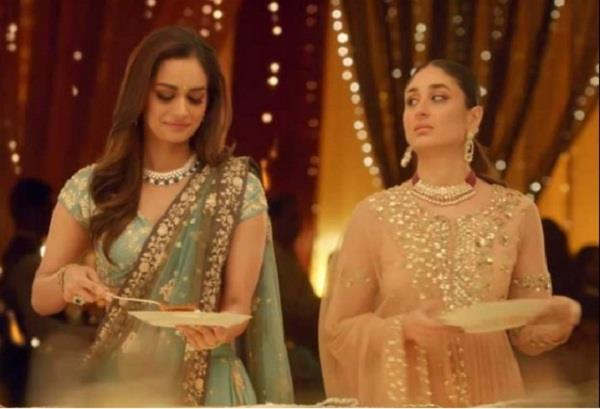 manushi chillar sharing wedding planning secrets with kareena kapoor
