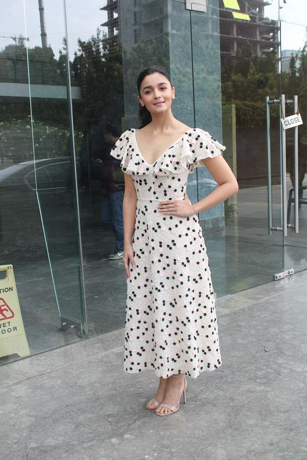 alia bhatt was today clicked promoting raazi in the city