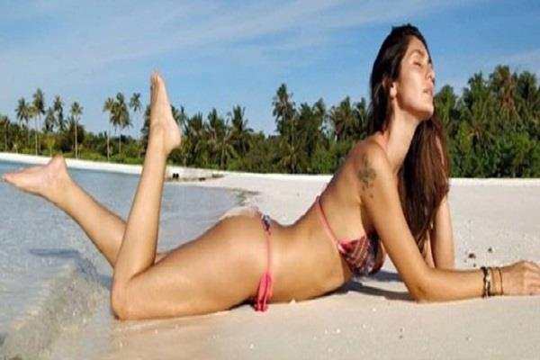bruna abdullah share hot picture on instagram