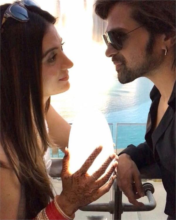 himesh reshammiya shared romantic pictures with wife sonia