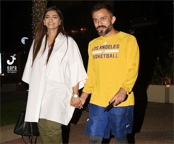 sonam kapoor and anand ahuja snapped on their dinner date