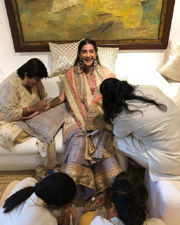 pictures out from sonam kapoor mehandi ceremony