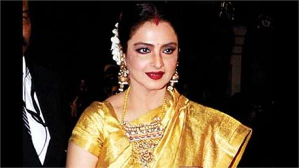 rekha to soon host patriotic theme based singing reality show dil hai hindustani