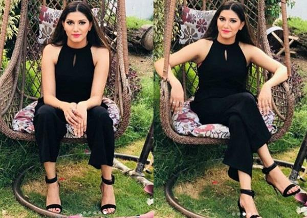 sapna chaudhary share bold pictures on instagram