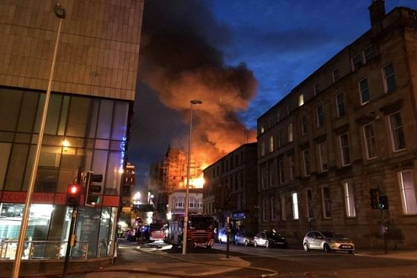 fire in scotland s art school empty of nearby buildings