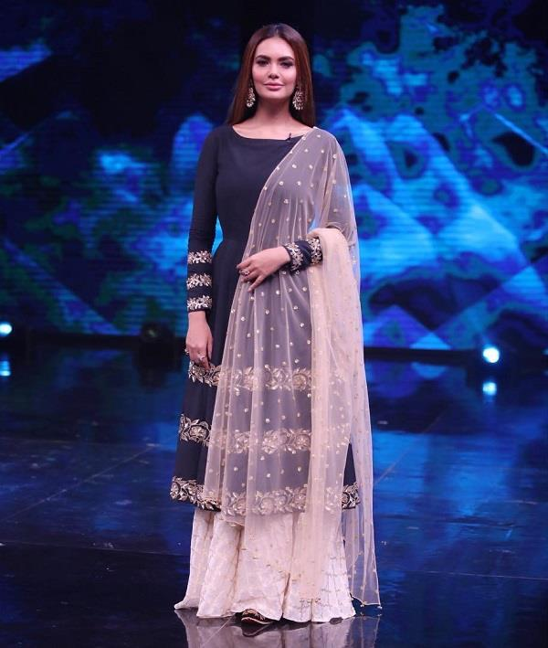 esha gupta on the sets of a dance reality show