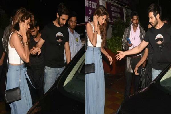 kartik aaryan spotted with girlfriend at bandra