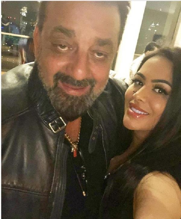 trishala dutt beautiful birthday wish for sanjay dutt