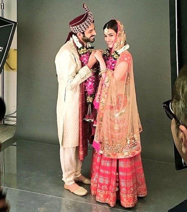 kartik aaryan and kriti sanon first look in lukka chuppi
