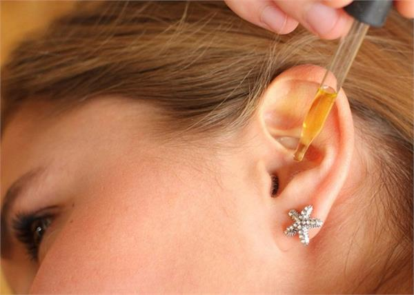 use these home remedies to get relief from ear discharge