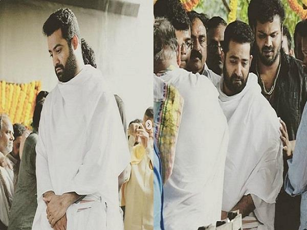 junior ntr crying in father nandamuri harikrishna funeral