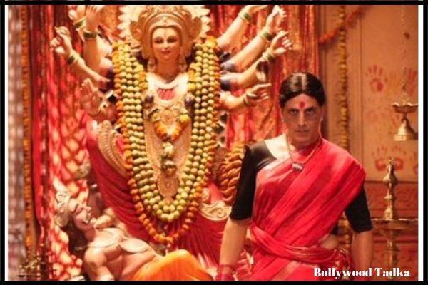 'लक्ष्मी बम' First Look: पिंक कलर की साड़ी, गले में ताबीज और बिन्दी लगाए नजर आए अक्षय कुमार