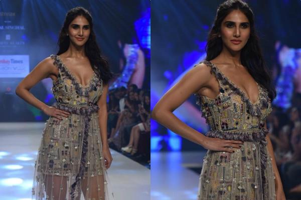 vaani kapoor looks stylish at india fashion week