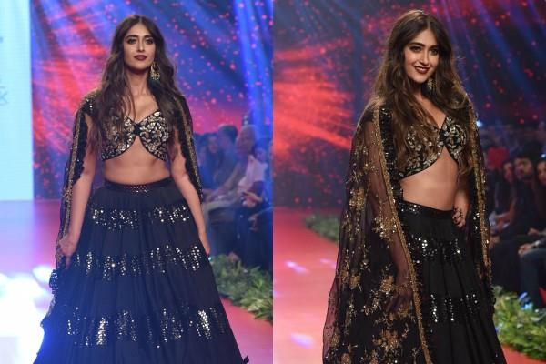 ileana d cruz looks beautiful in blak outfit at bombay times fashion week