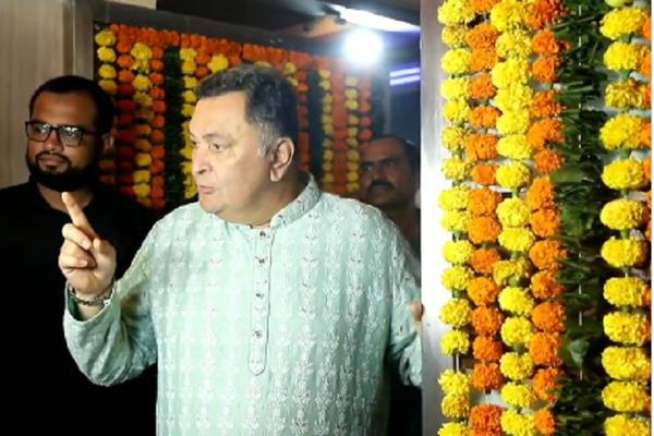 rishi kapoor angry on photographer and media at ekta kapoor diwali party