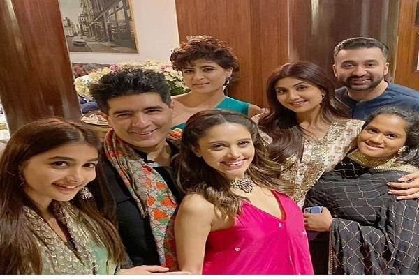 bollywood stars spotted at manish malhotra diwali party