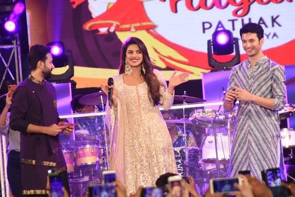 priyanka chopra grooving on garba beats video goes viral