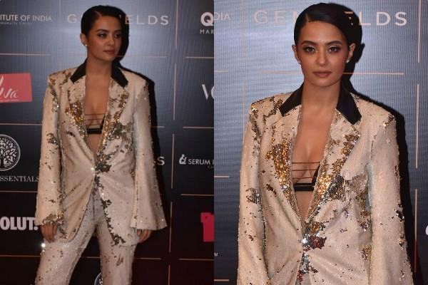 surveen chawla looks glamorous in pant suit for vogue women of the year awards