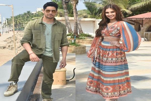siddharth and tara s glamorous photoshoot for promotion of marjawan see photos
