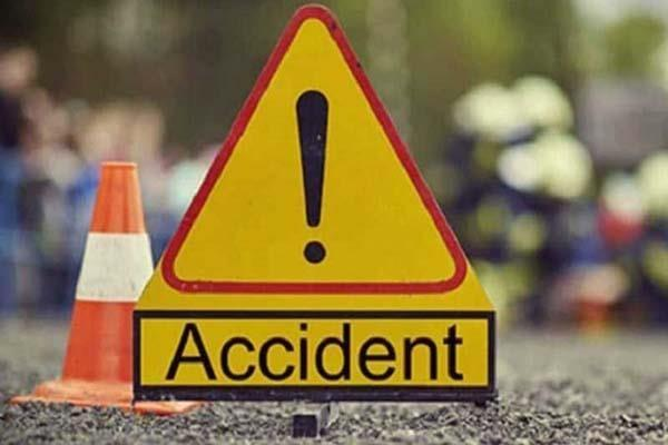 husband dies in road accident wife injured