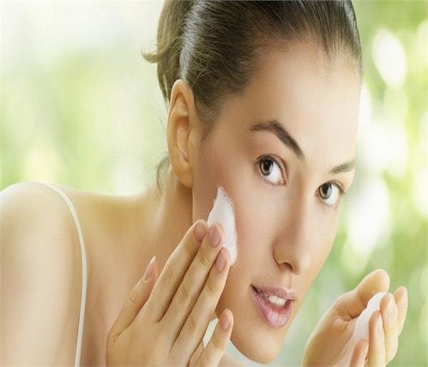 keep your skin beautiful during travelling