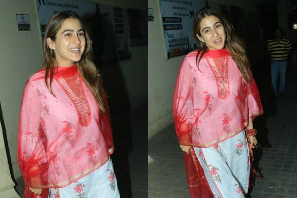 actress sara ali khan spotted at juhu pvr
