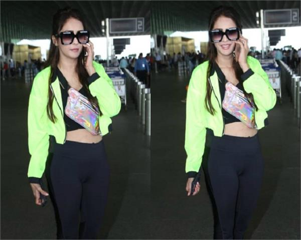 chahat khanna looks beautiful as she spotted airport
