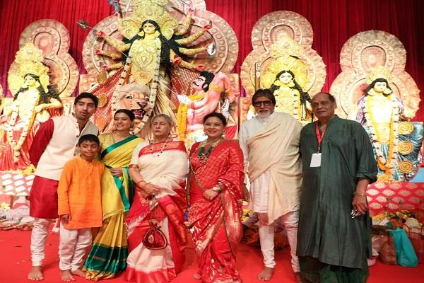 after 18 years kabhi khushi kabhie gham stars reunion at a durga puja pandal