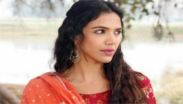shriya pilgaonkar learns dhol for bhangra paa le movie