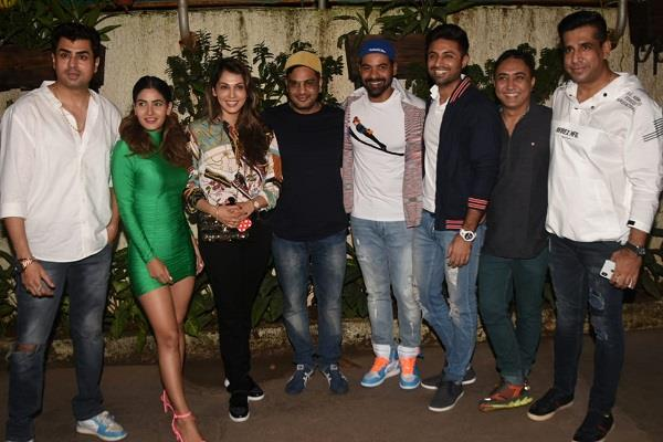 isha koppikar karishma shabbir and other stars attended screening of fixer